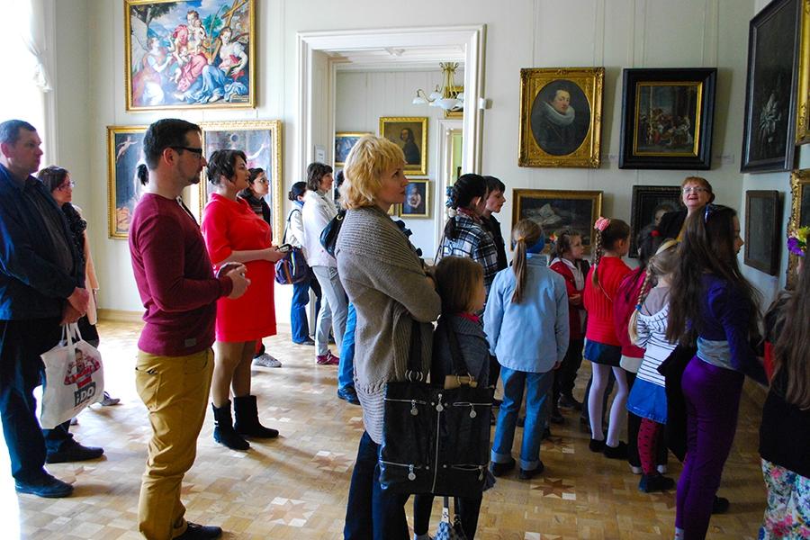 26 квітня 2014 року відбулась чергова зустріч мистецького дитячо-молодіжного Проекту «ART-WEEKEND» на тему: Натюрморт